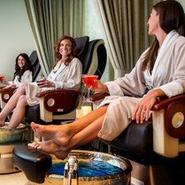 2-Night Summer VIP WINE & SPA WEEKEND with Bowers Harbor Vineyards (Dates Vary)