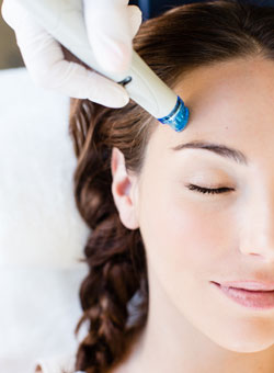 Hydrafacial Treatment on a brown haired woman