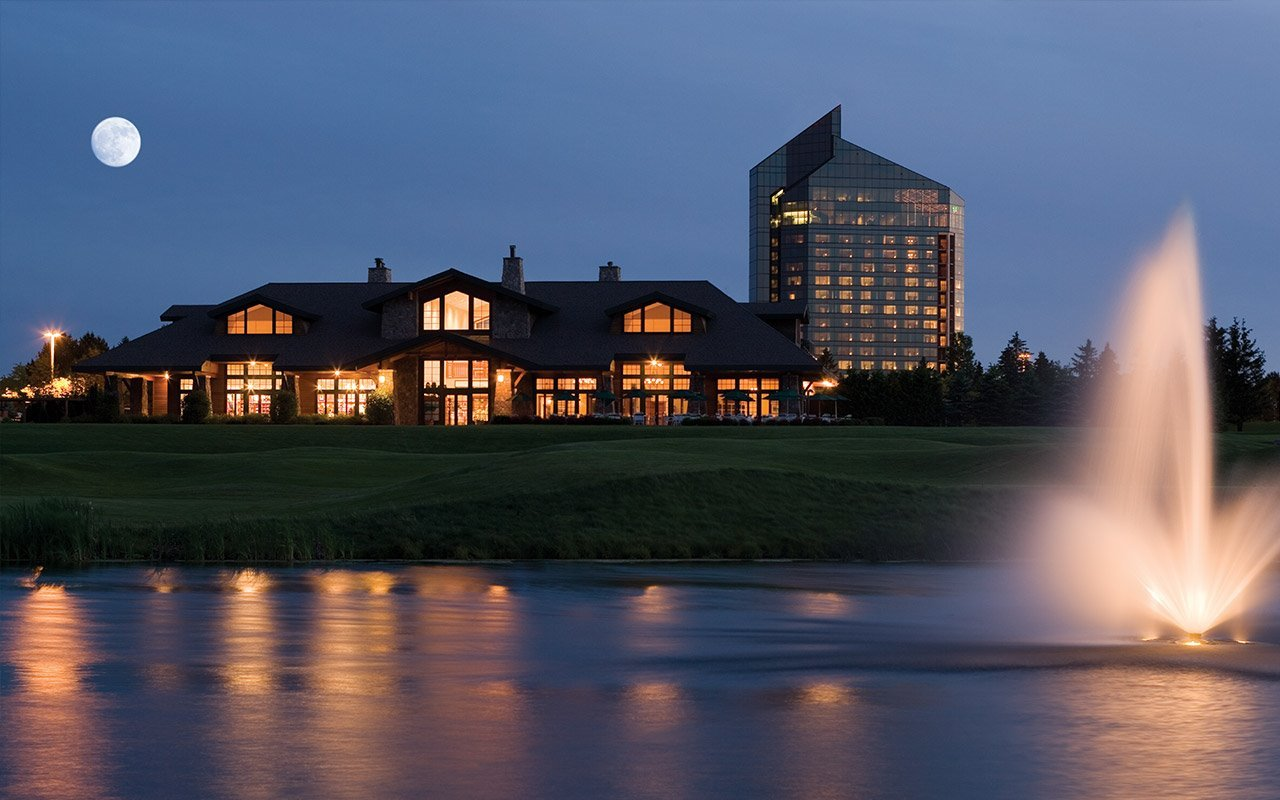 Golf Packages In Michigan Grand Traverse Resort Spa Beauty Barn Mom Lit Up Water